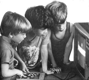 boys-watching-computer-game-b-and-w